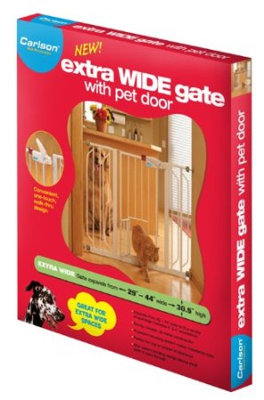Carlson 0930PW Extra-Wide Walk-Thru Gate with Pet Door